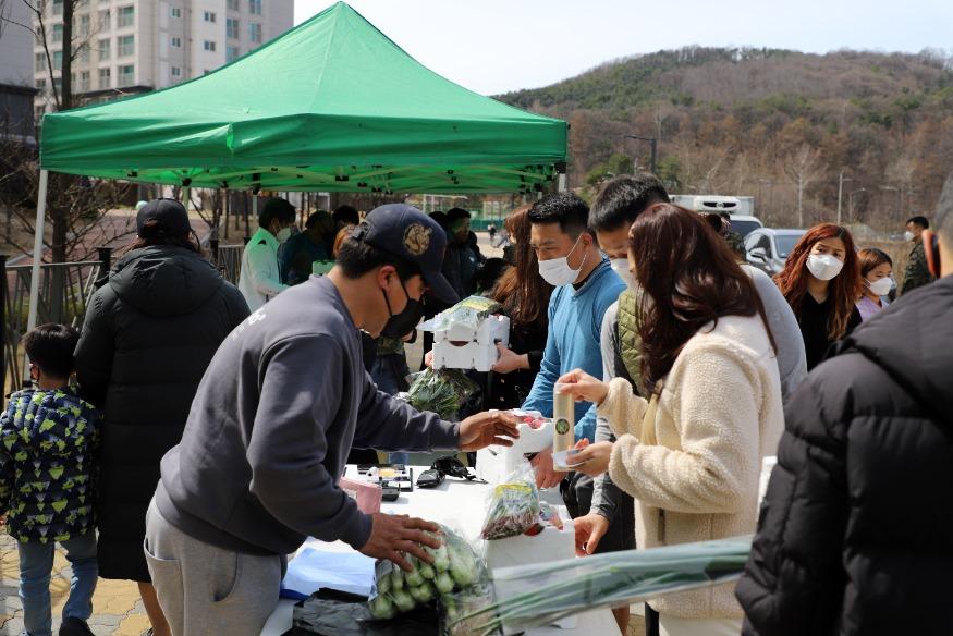 특전사, 지역 농산물 구매로 지역경제 살리기 앞장 (1).jpg