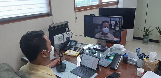 지역 02- 강천면, 코로나 확산 방지를 위한 영상 이장회의 개최 (1).jpg