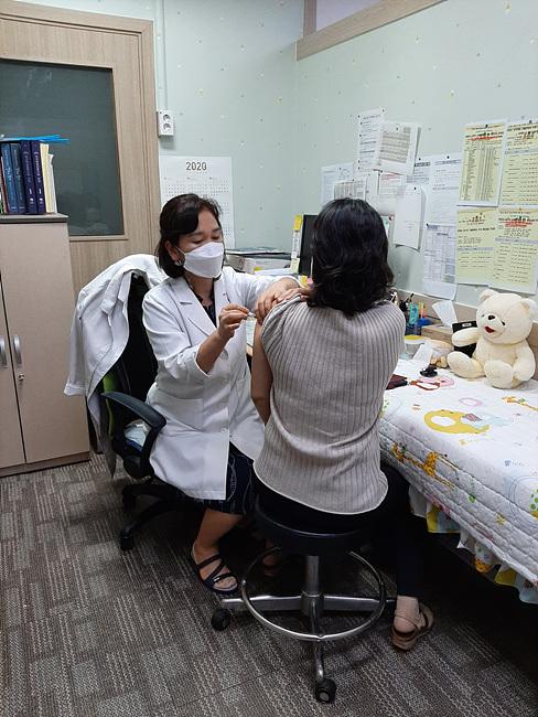 02 독감 예방접종.jpg