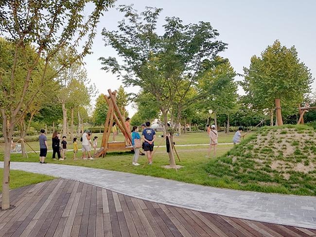 추가 01- 여주 금은모래강변공원 시민 힐링공간으로 인기 (4).jpg