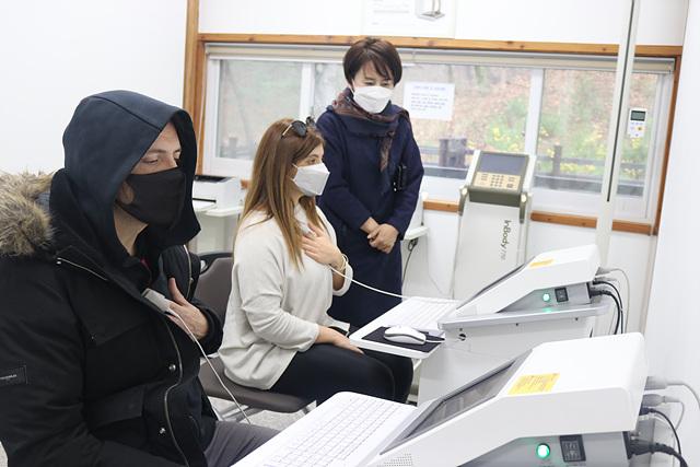 03 뮤지컬 레미제라블 팀 한국형 산림치유 체험(1).jpg
